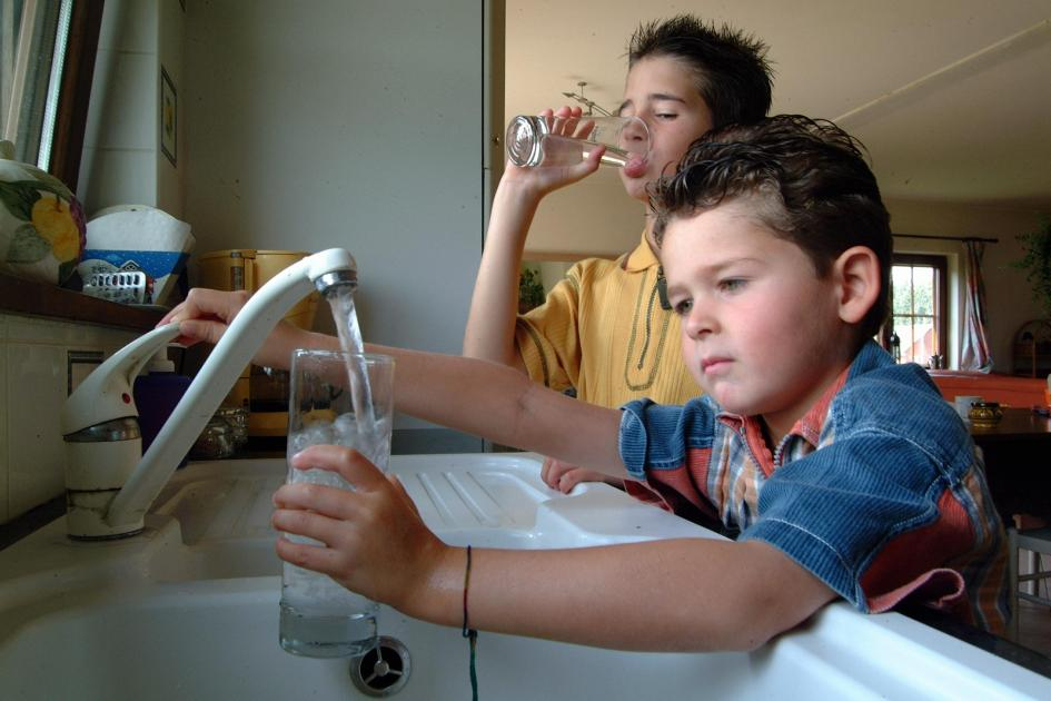 eau du robinet qui sent mauvais pas de risque sanitaire selon la swde. Black Bedroom Furniture Sets. Home Design Ideas