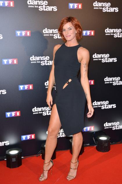 Fauve Hautot De Danse Avec Les Stars Ultra Sexy Dans Une Robe Noire Moulante Et Transparente Photos