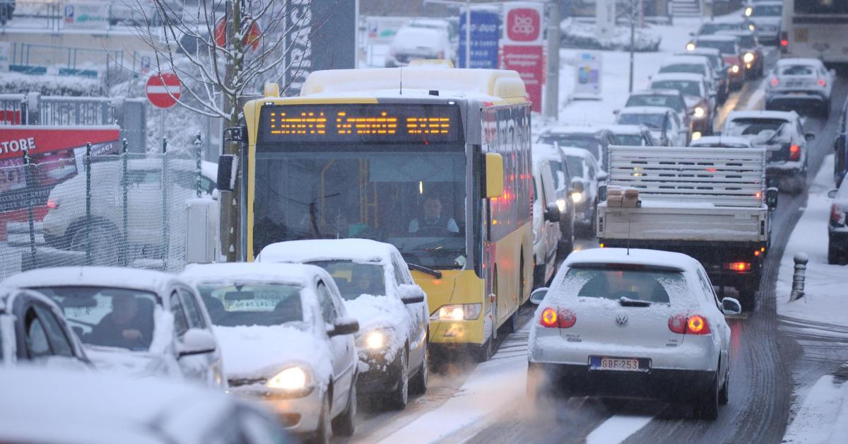 Fortes pluies et neige sur la Belgique: le numéro 1722 est activé suite aux deux alertes de l'IRM