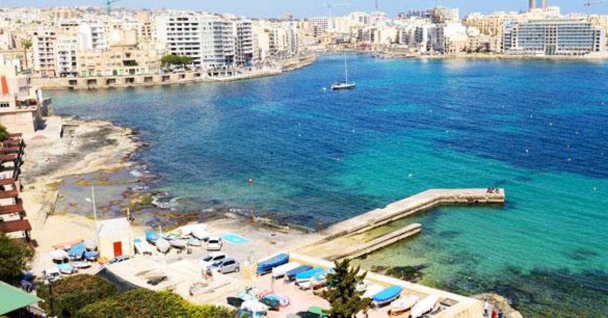 Secouru alors qu'il était en train de se noyer au large de Sliema à Malte, Julien, 33 ans, originaire de la région d'Arlon, est finalement décédé