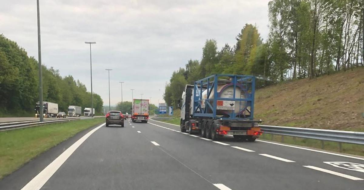 E411: Des Camions Sur La Bande De Covoiturage Entre Arlon