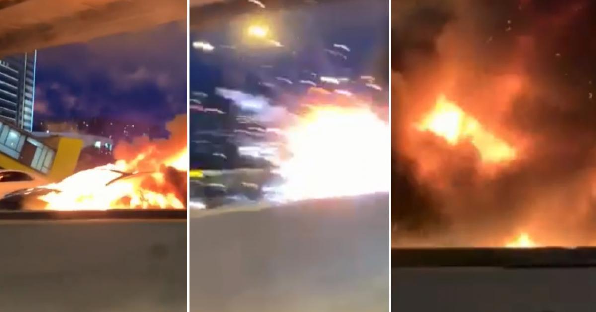 Impressionnant: une Tesla prend feu puis explose sur l'autoroute, deux enfants grièvement blessés (vidéo)