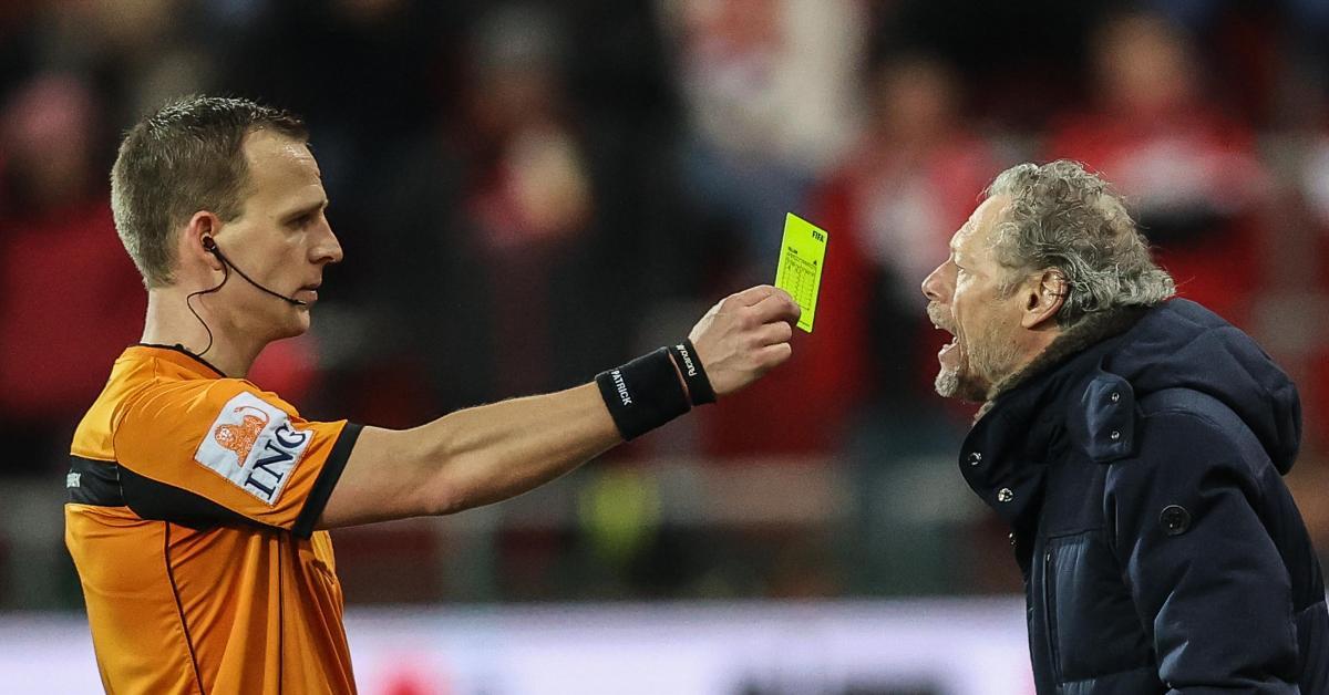 Michel Preud'homme réduit au silence pour le choc contre Charleroi: l'entraîneur du Standard ne pourra pas communiquer avec ses joueurs et son staff!