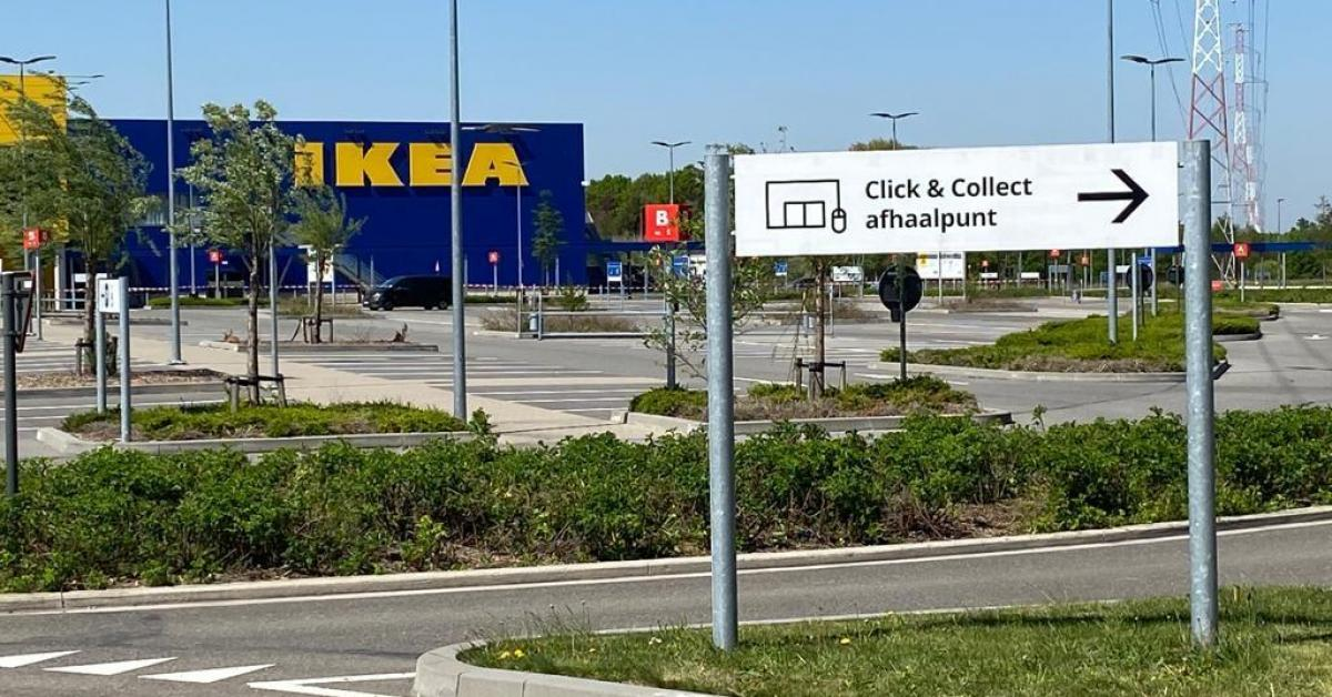 Pas De Files D Attente Ou De Contact Physique Avec Le Personnel Les Magasins Ikea Envisagent Un Drive In Photos