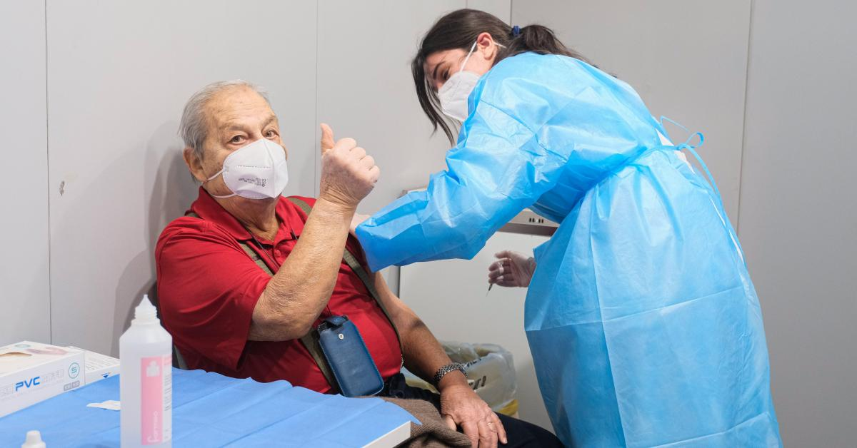 Nouvelle phase de vaccination contre le Covid dès ce lundi: au tour des personnes de plus de 65 ans et des plus jeunes souffrant de comorbidités - Sudinfo.be