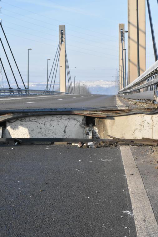 """Résultat de recherche d'images pour """"pont de lixhe"""""""