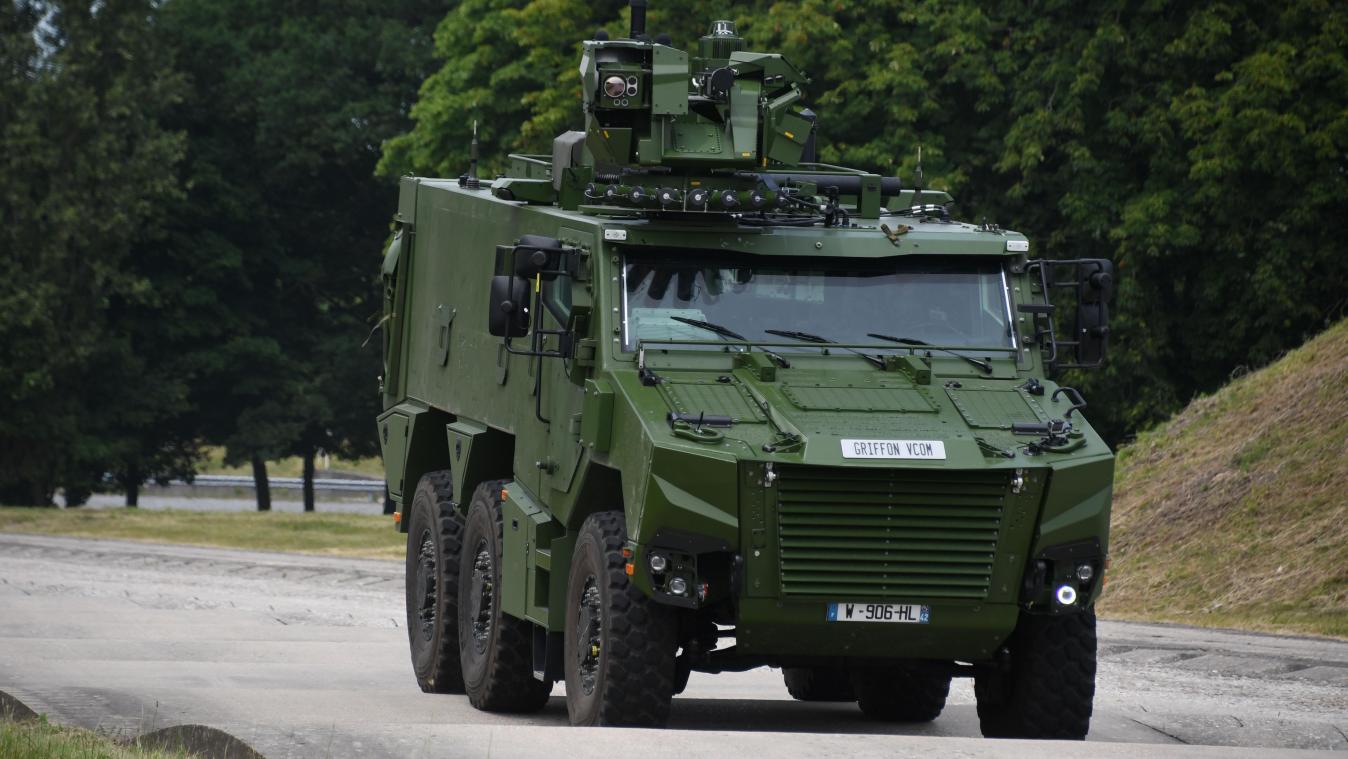 Deux blindés Griffon, futures montures de la composante Terre de l'armée belge défileront dimanche, jour de la fête nationale