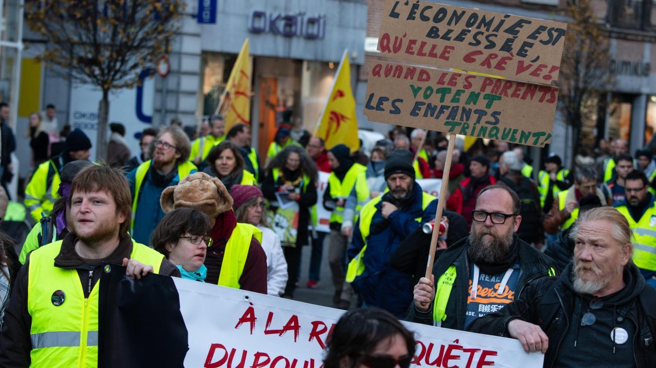 Une centaine de Gilets jaunes manifestent à Namur (photos)