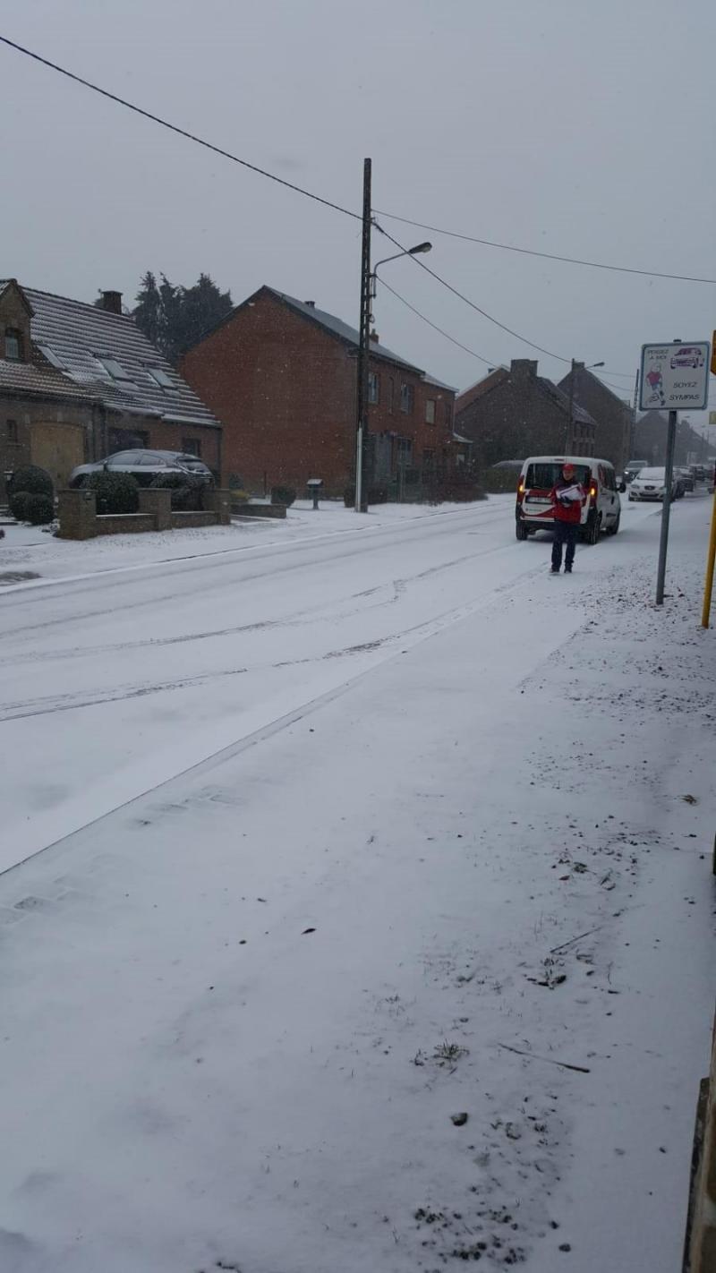 Prudence, la neige tombe sur les routes de nos régions: la
