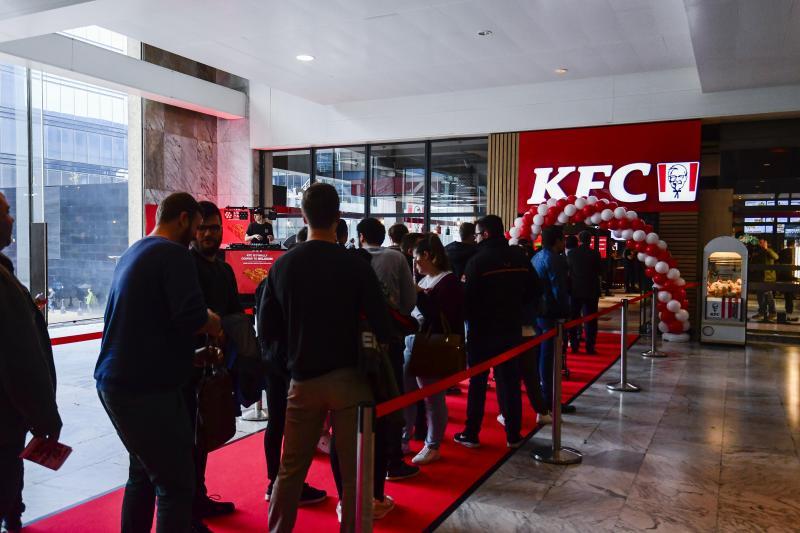Le premier KFC de Belgique a ouvert ses portes à la gare du