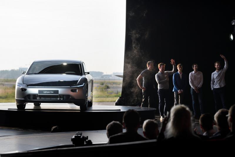 Première voiture à énergie solaire — Lightyear One