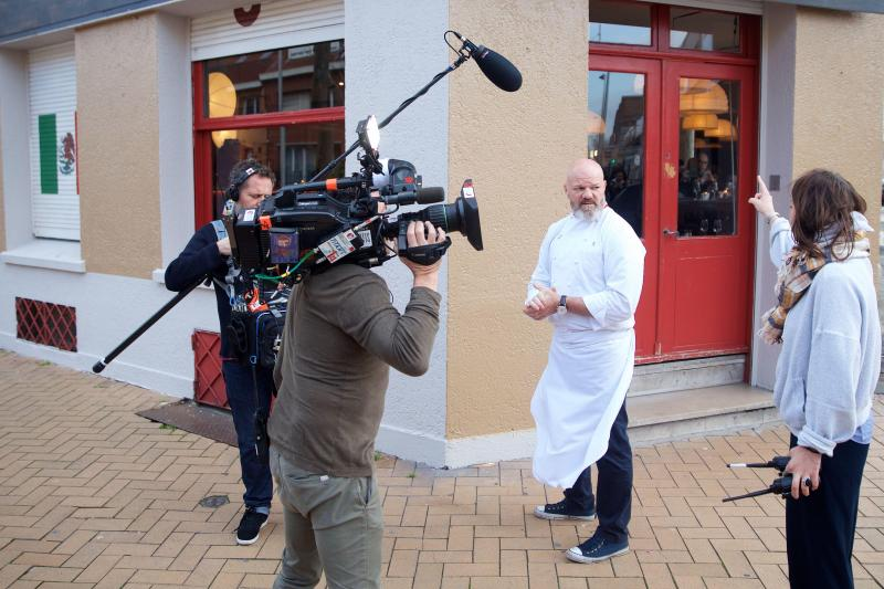 Dunkirk, December 21, 2018. Philip Etchesteet is filming in Dunkirk for the Couchmer show in the kitchen at Le Coyote Cafe restaurant in Malo.