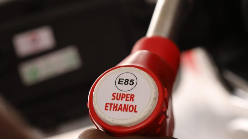Alternative à l'essence : Le superéthanol E85 bientôt autorisé en Belgique: il coûte deux fois moins cher que