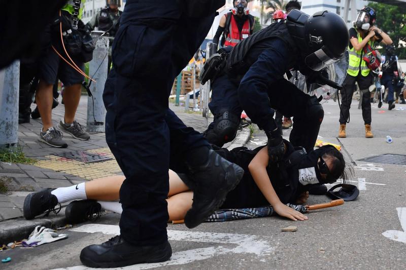 La tension monte encore d'un cran à Hong Kong