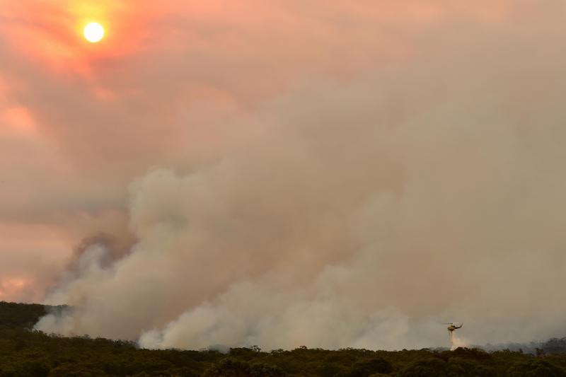 De violents incendies provoquent des milliers d'évacuation au sud-est — Australie