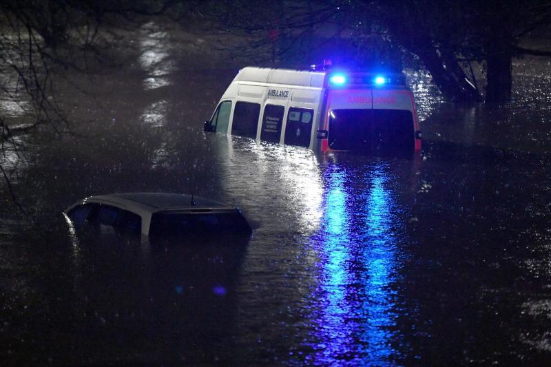 20.000 foyers toujours sans électricité, les trains encore perturbés — Tempête