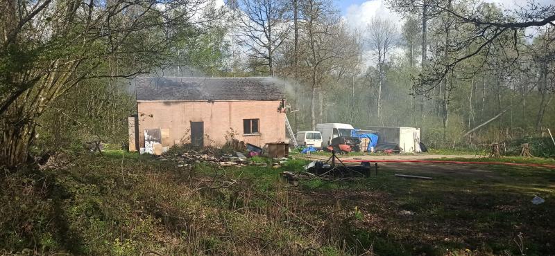 Les pompiers n'ont pu préserver que l'enveloppe extérieure du bâtiment.