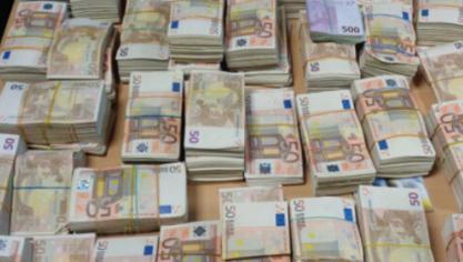 Un automobiliste arrêté en Italie avec plus d'un million d'euros à bord de sa voiture
