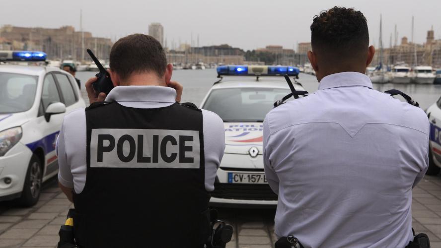 Neuf adolescents arrêtés à bord d une voiturette