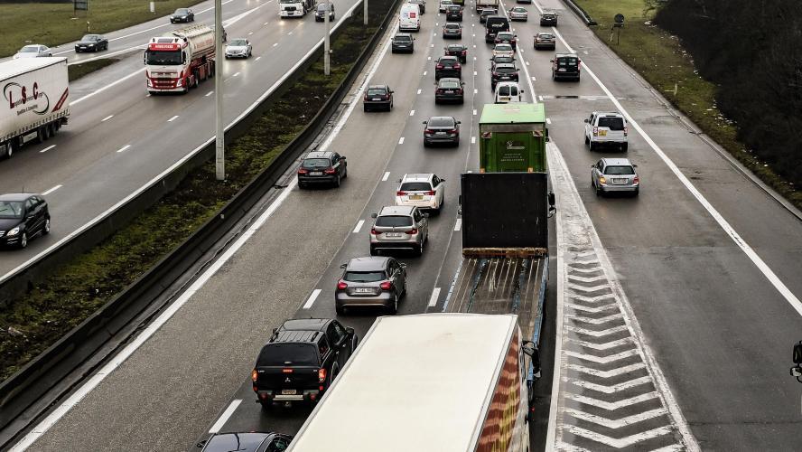 autoroutes en france pas de gel des tarifs une ristourne pour les conducteurs r guliers. Black Bedroom Furniture Sets. Home Design Ideas
