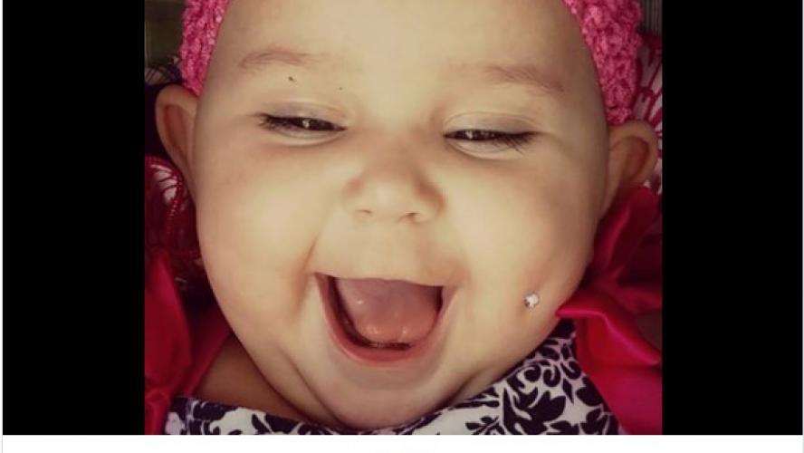 14b386817ec6 Une maman poste une photo de son bébé avec un piercing sur la joue  face au  ...