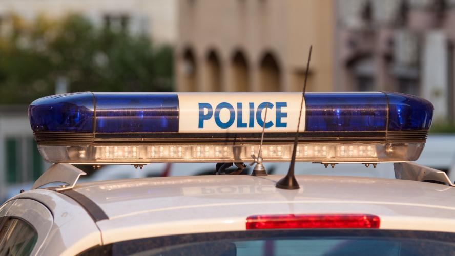 Un homme tué par balle dans son véhicule en France