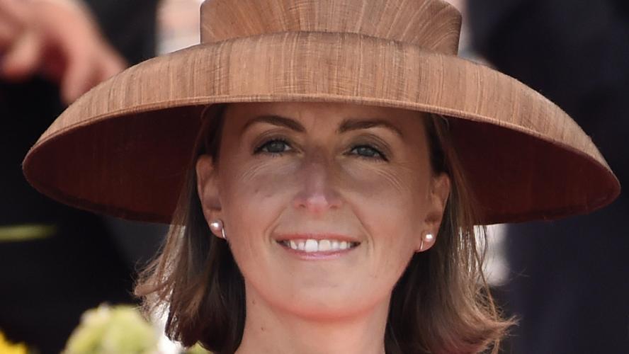 la princesse claire amuse les internautes avec son chapeau ikea. Black Bedroom Furniture Sets. Home Design Ideas