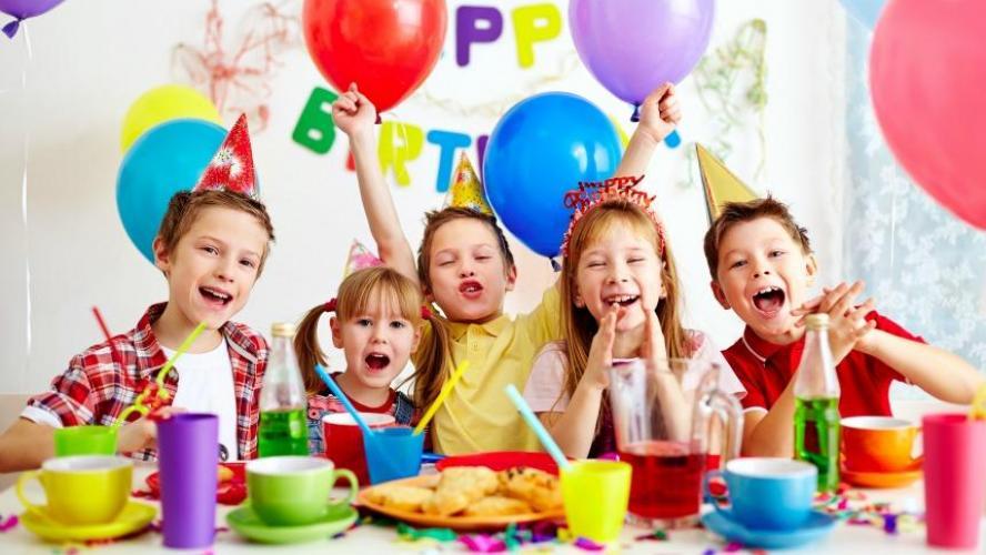 5e1d421ec1c4f Fête d anniversaire d un enfant  qu est-ce qui fait grimper la note