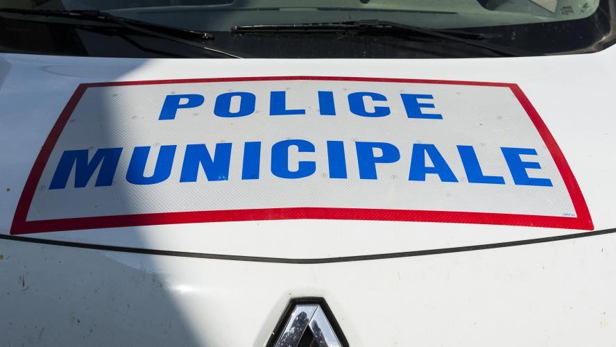 Paris : la police abat un homme armé