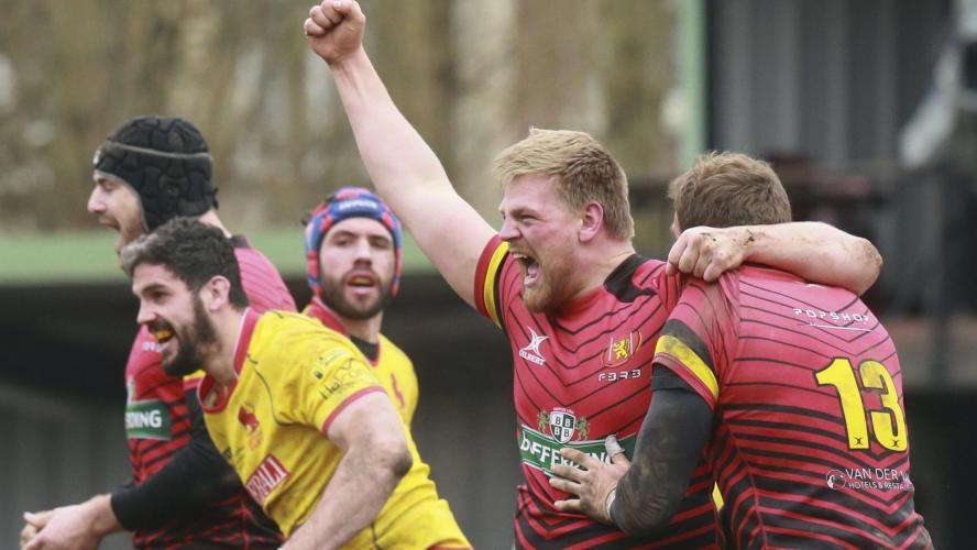 Les joueurs de la sélection espagnole s'en prennent à l'arbitre — Rugby
