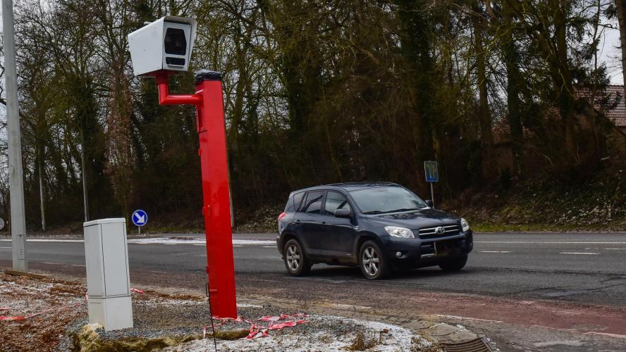 Le radar sera placé dans le boîtier uniquement au moment des tests.