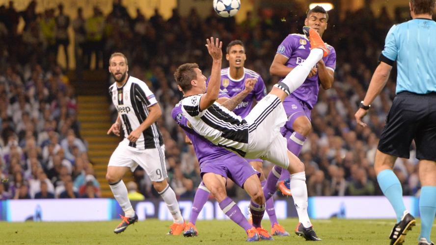 Ligue des Champions  les plus beaux buts de l histoire (vidéos) f4ee4408907c8