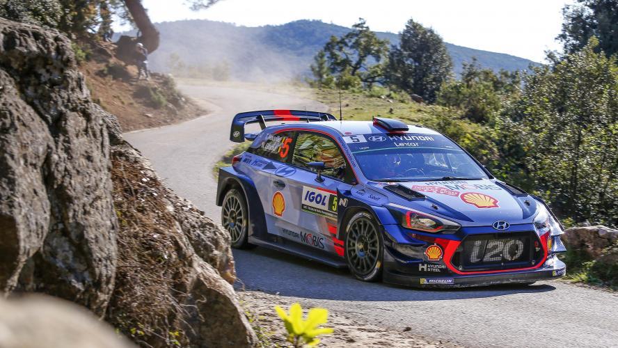 Loeb part à la faute dès la 2e spéciale — Tour de Corse