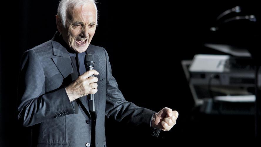 Le chanteur Charles Aznavour hospitalisé