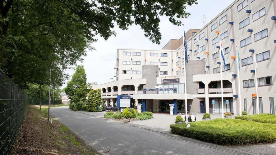 Charleroi reprise dans un mois et stage aux pays bas pour for Site de booking hotel