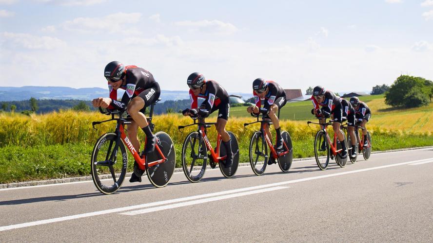 BMC s'impose, Stefan Küng en jaune — Tour de Suisse