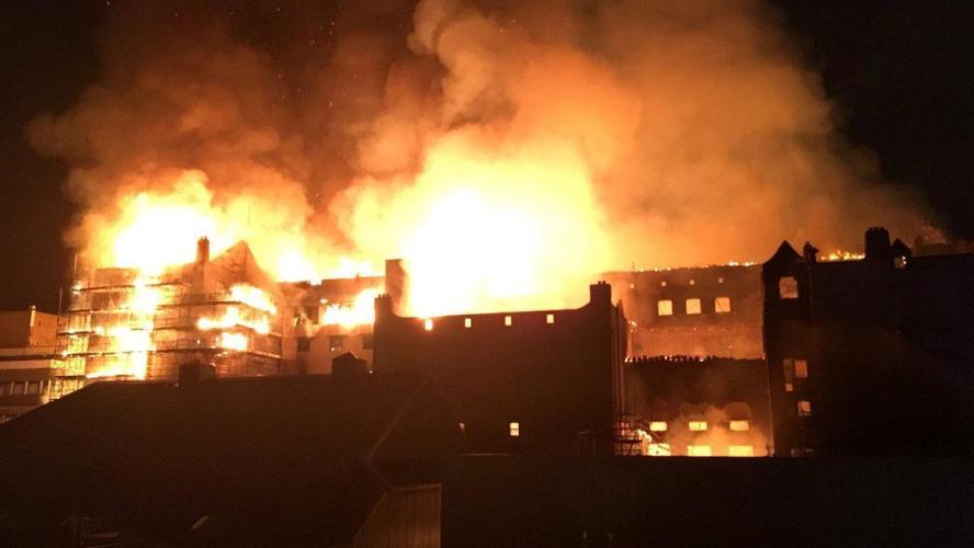 L'école d'art de Glasgow, bâtiment emblématique, ravagée par un incendie