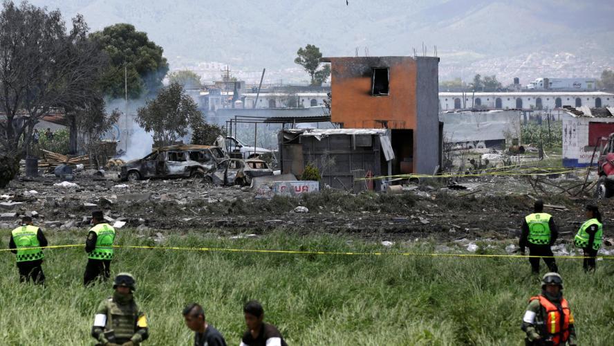 Explosions dans des entrepôts de feux d'artifice au Mexique, 19 morts