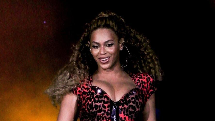 Trop mignon ! En vacances, Beyoncé dévoile une nouvelle photo de ses jumeaux