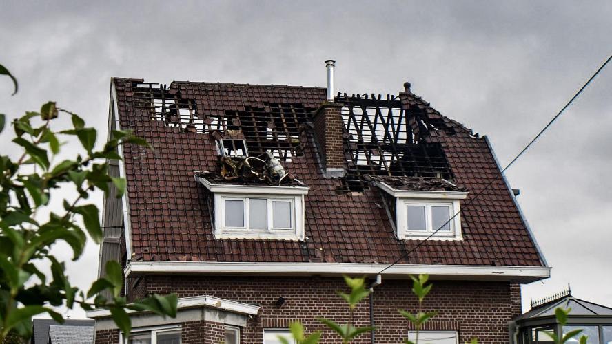 Le toit d une maison de Namur frappé par la foudre  la propriétaire de 84  ans est sous le choc! 69c30298d028