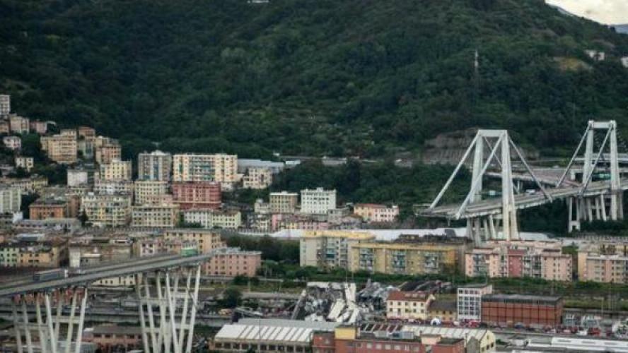 Effondrement d'un pont à Gênes : un gardien de soccer miraculé