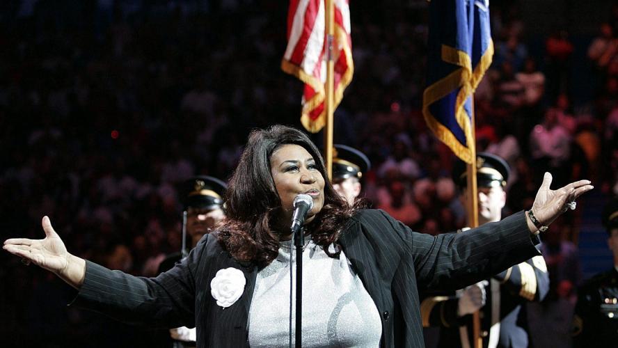 Stevie Wonder et Jesse Jackson au chevet d'une Aretha Franklin gravement malade
