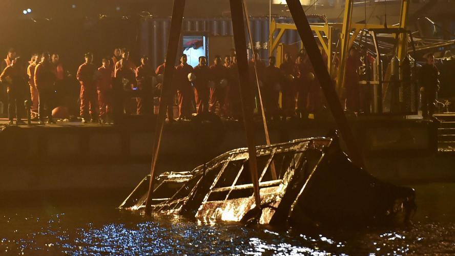 Chine: une dispute éclate, le bus fait une chute mortelle