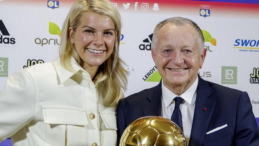 La Norvégienne Ada Hegerberg remporte le premier Ballon d'or féminin — Foot