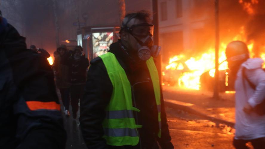 Gilets jaunes : l'Elysée craint « une très grande violence » samedi