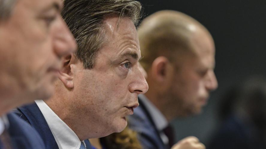 Les ministres nationalistes flamands claquent la porte — Belgique