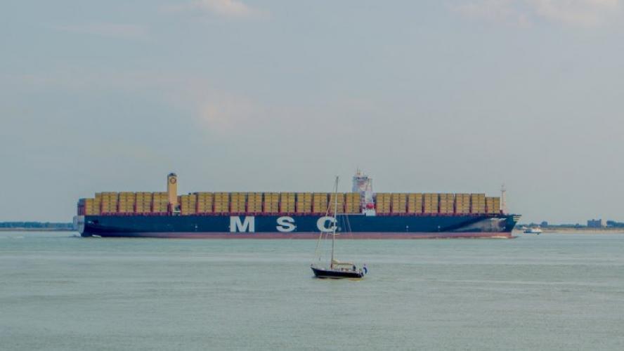 270 conteneurs, dont trois potentiellement dangereux à la dérive — Mer du Nord