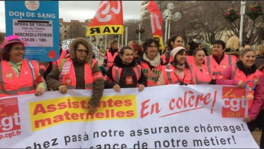 Les assistantes maternelles manifestent en gilets roses — Rennes