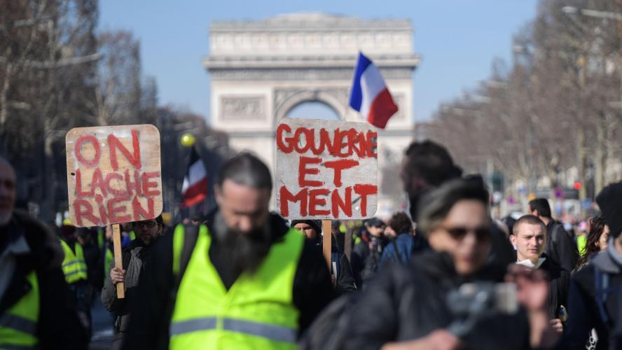 Gilets jaunes: 41500 manifestants en France samedi, dont 5000 à Paris