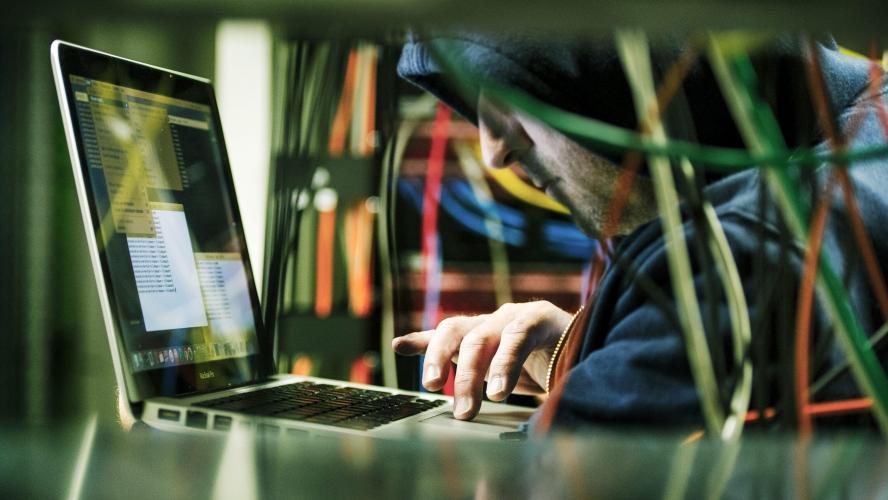 Internet subit une attaque inédite — Piratage